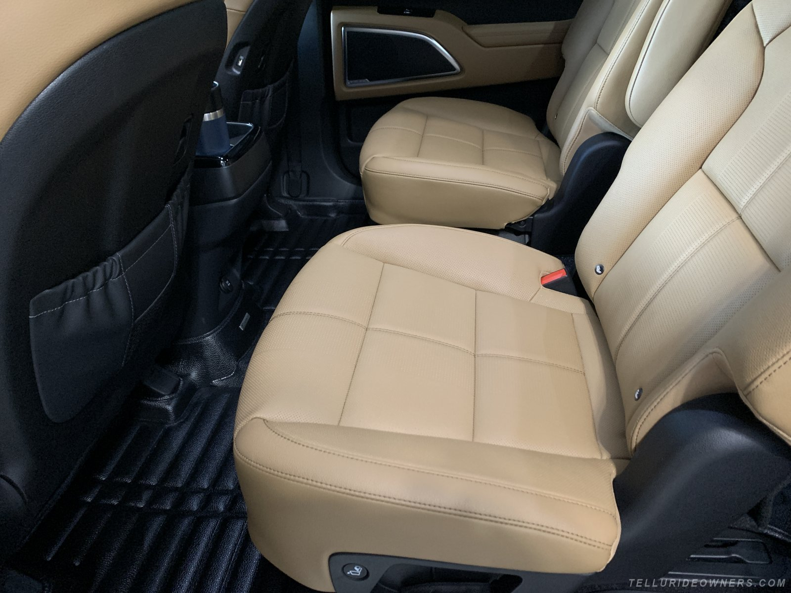 2931 Kia Telluride SX with Butterscotch Int.